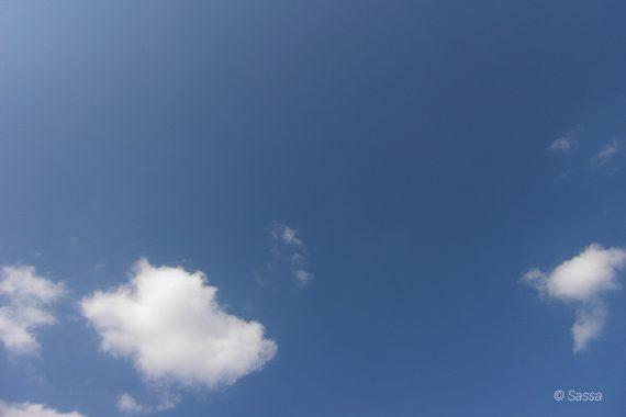 Naturschauspiel kleine Wolken am Himmel