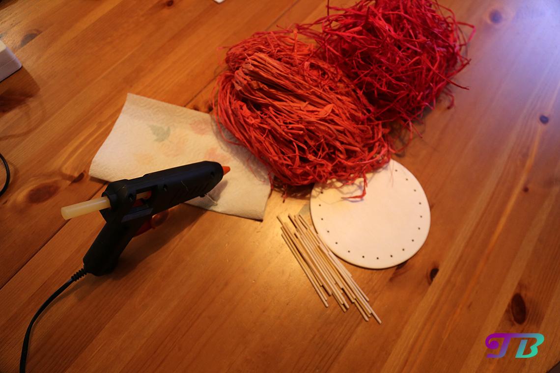 Osterkorb Grundplatte Heißkleber Bast