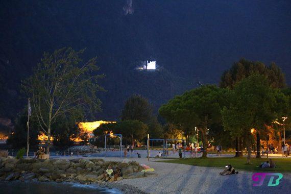 Italien Gardasee Riva Abend Strand