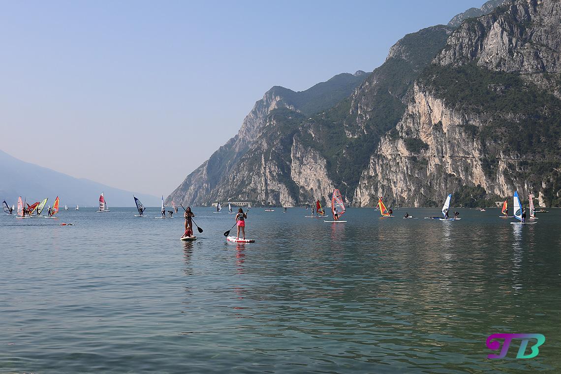 Italien Gardasee Riva SUP Stehpaddeln