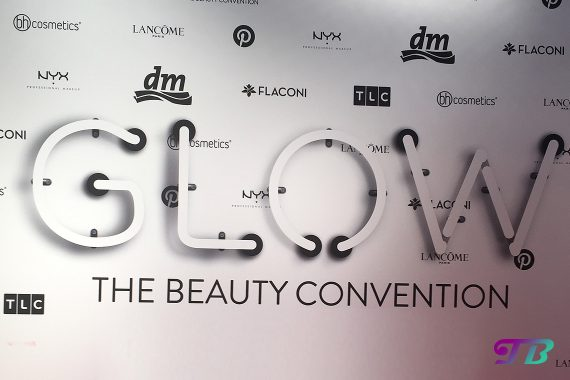 GLOWcon Beauty Convention by dm Berlin GLOWwall