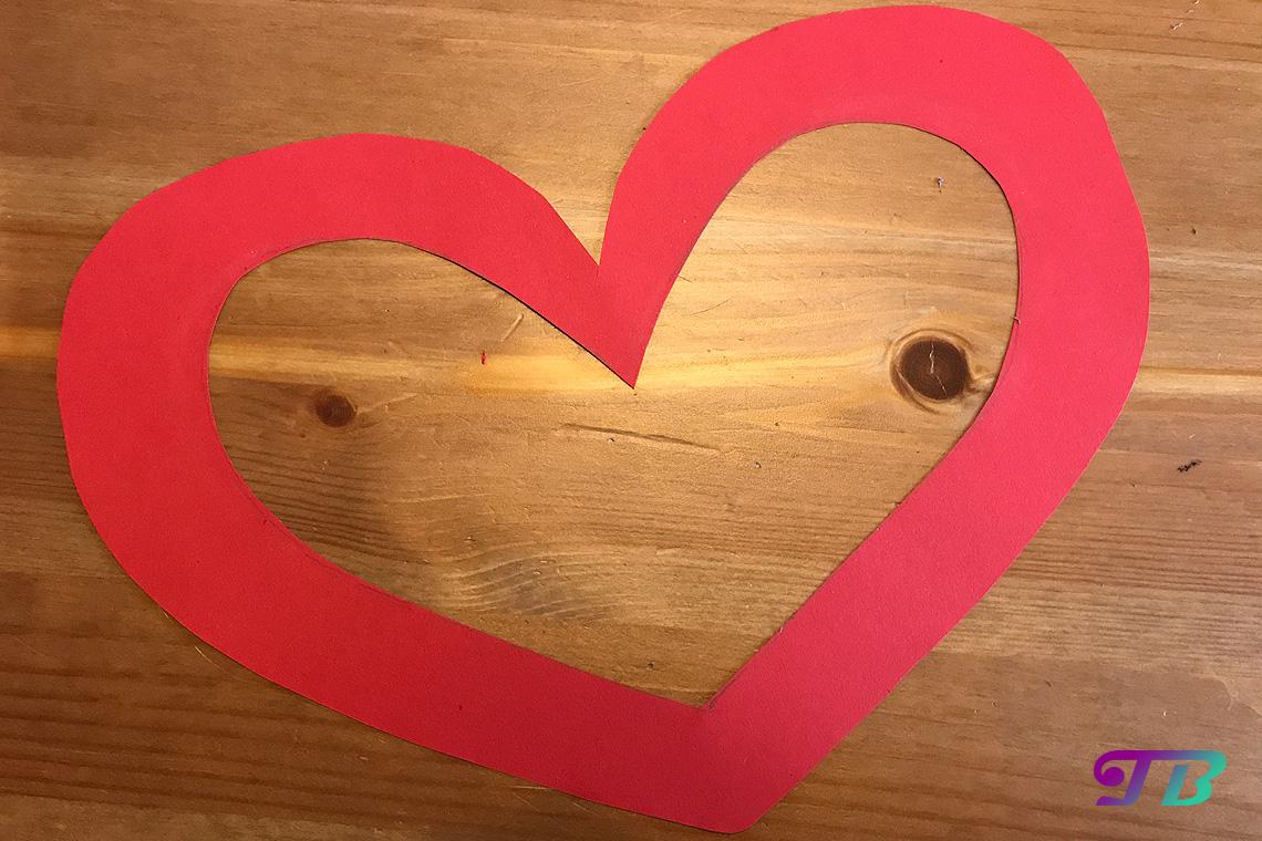 DIY Lastminute Lampion Herz Mitte ausschneiden