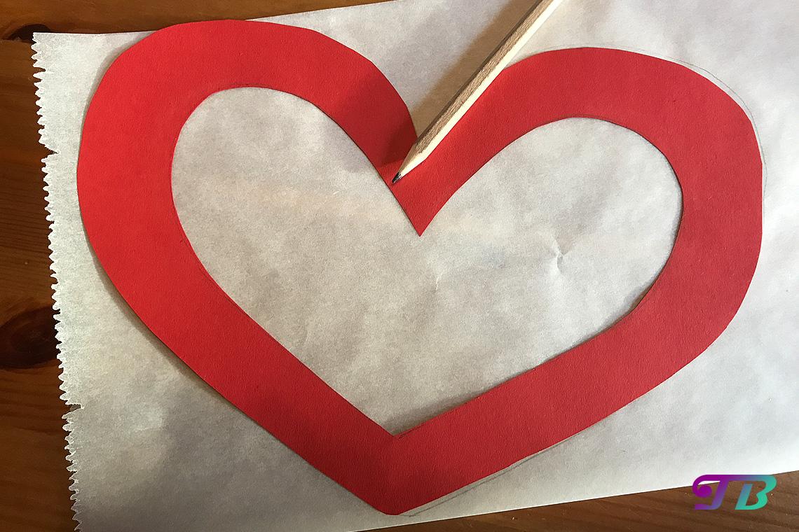 DIY Lastminute Lampion Herz Backpapier anzeichnen