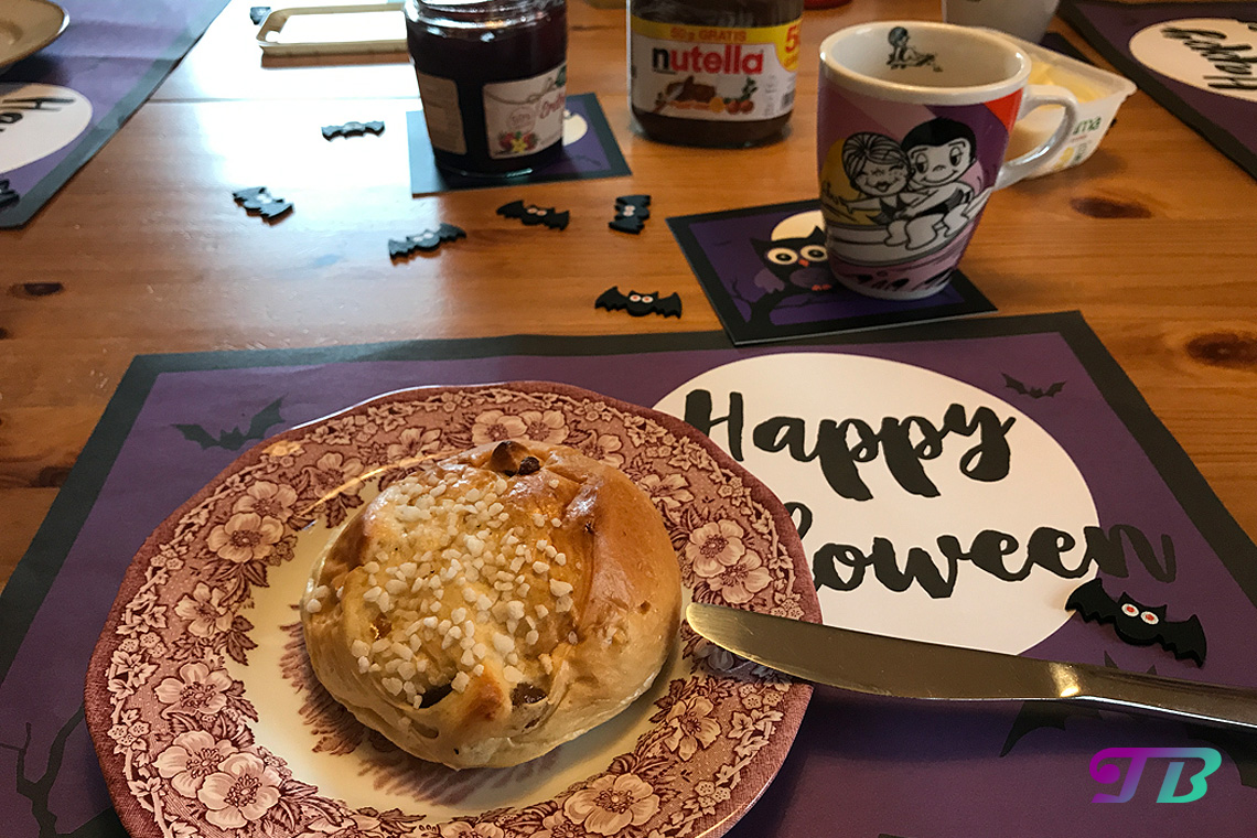 Halloween Frühstück Nutella Erdbeer-Vanille-Marmelade