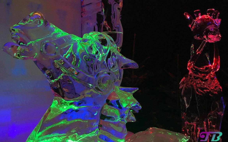 Eiswelt Dresden Eis Weihnachtskarussell Pferd