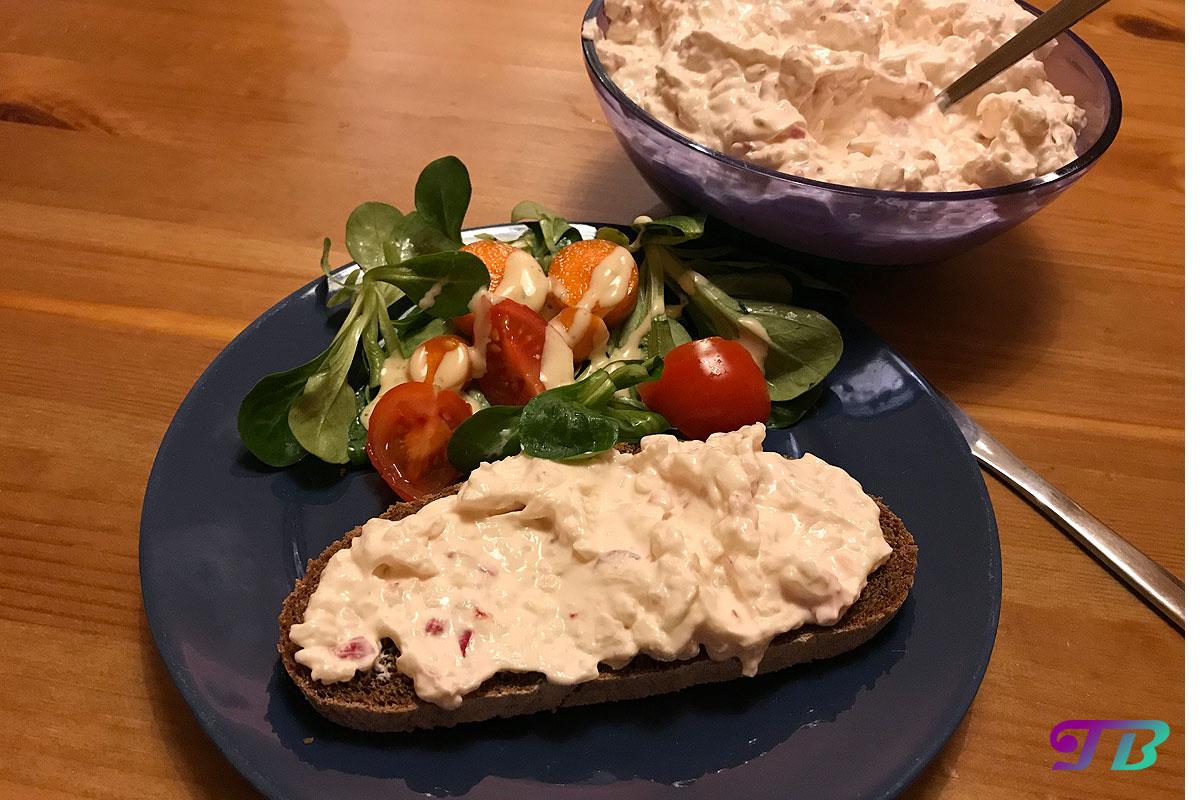 Radieschen Frischkäse Aufstrich Brot Salat