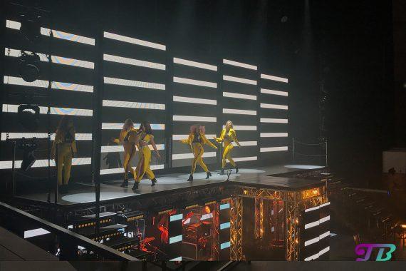 Vanessa Mai Regenbogen Live Tour Dresden Outfit gelb Tänzer