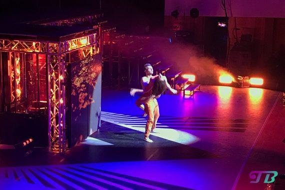 Vanessa Mai Regenbogen Live Tour Dresden Outfit orange Vadmin Garbuzov