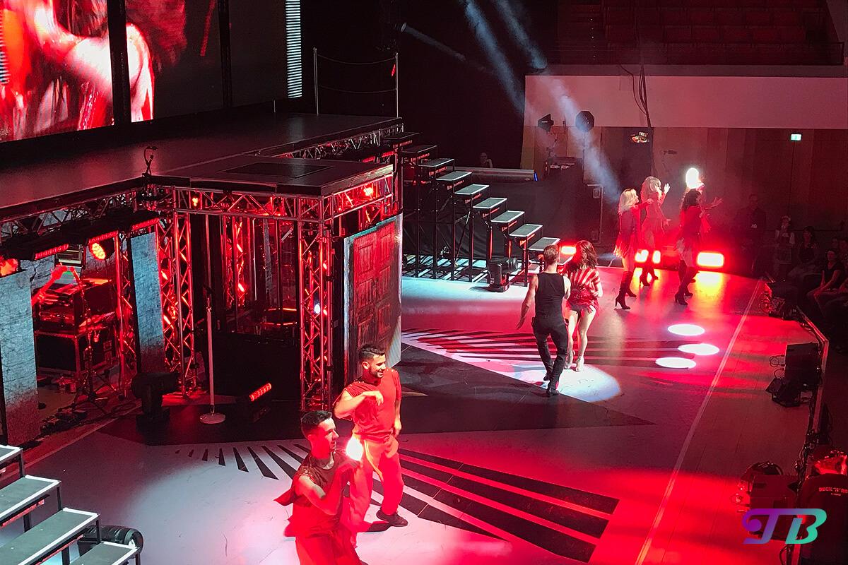 Vanessa Mai Regenbogen Live Tour Dresden Outfit rot Vadmin Garbuzov