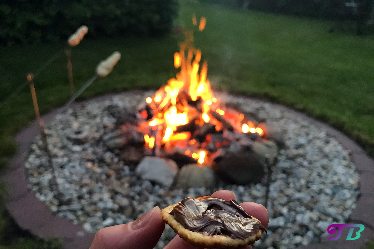 Lagerfeuer Feuerstelle Saltletts LaugenCracker Nutella