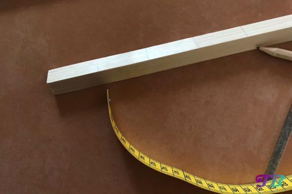 DIY Webrahmen Holz Dreikantleiste Markierung
