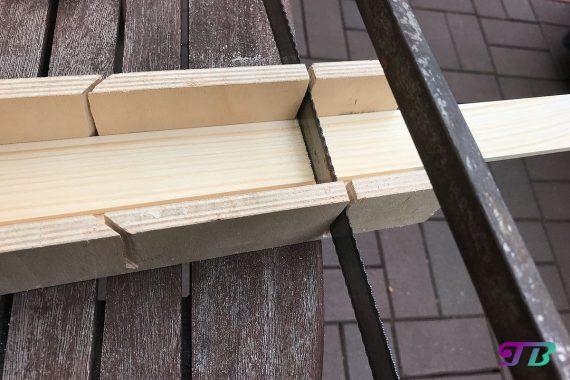 DIY Webrahmen Holz Rechteckleiste sägen
