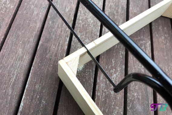 DIY Webrahmen Holz Markierung Einschnitt sägen