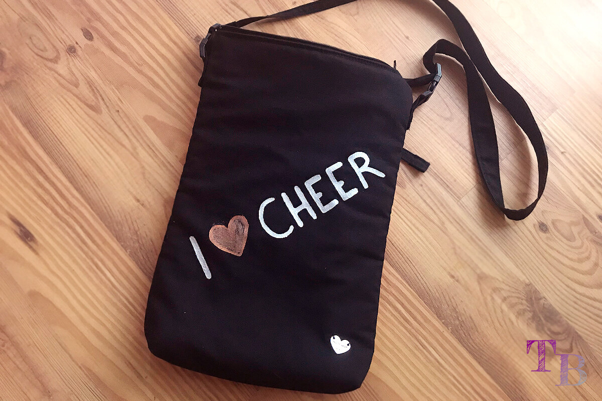 burda accessoires Magazin Clutch Umhängetasche Cheerleading