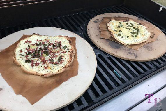 Flammkuchen DIY Grill Pizzastein goldbraun