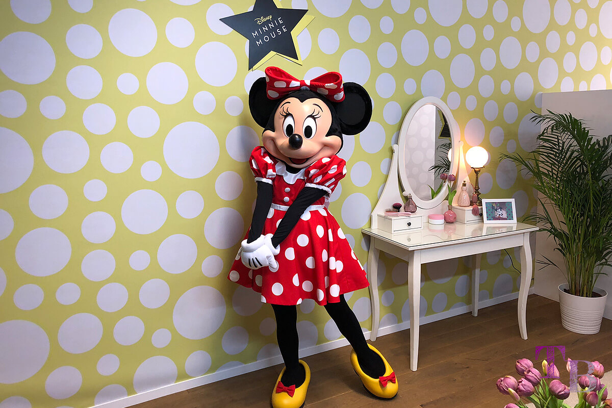 GLOW by dm Station Berlin 2018 Minnie Mouse Disney Glowcon