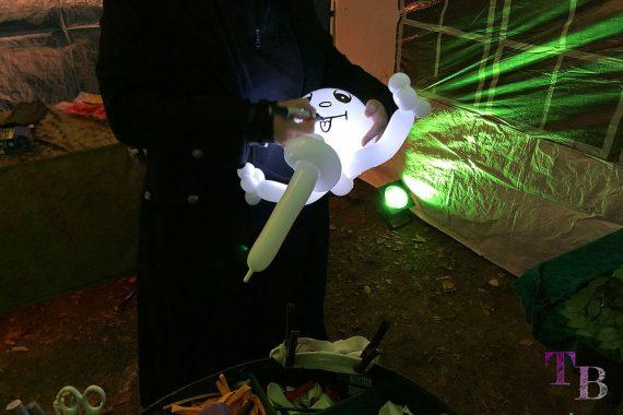 Irrgarten Kleinwelka Geisternacht 2018 Ballon Skulptur
