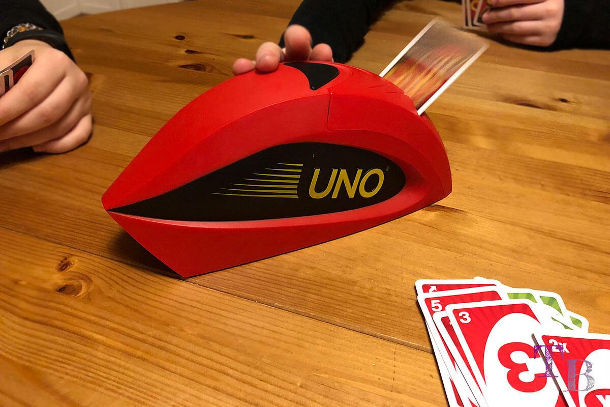 UNO Extreme Karten Spiel Ablegestapel Kartenwerfer