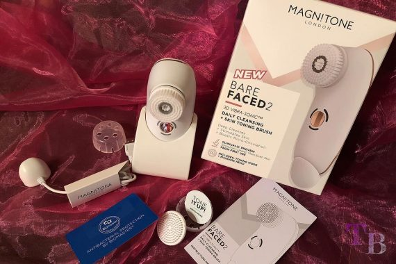 Magnitone BareFaced 2 Gesichtsreinigungsbürste Inhalt