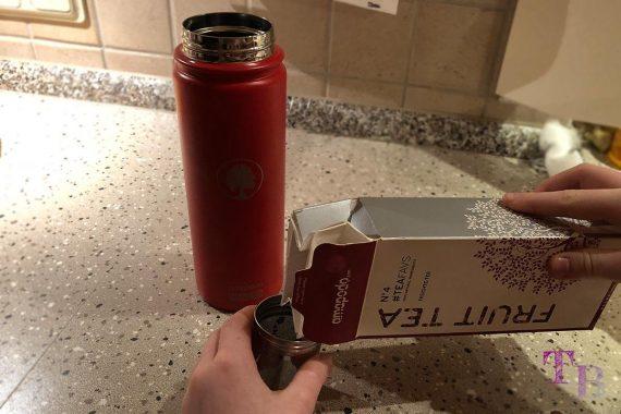 amapodo Teeflasche Sportflasche Outdoor Tee einfüllen