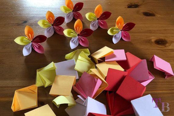 Blüten Papier Kusudama DIY Blumen Faltpapier