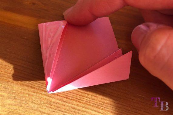 Blüten Papier Kusudama DIY zusammenkleben