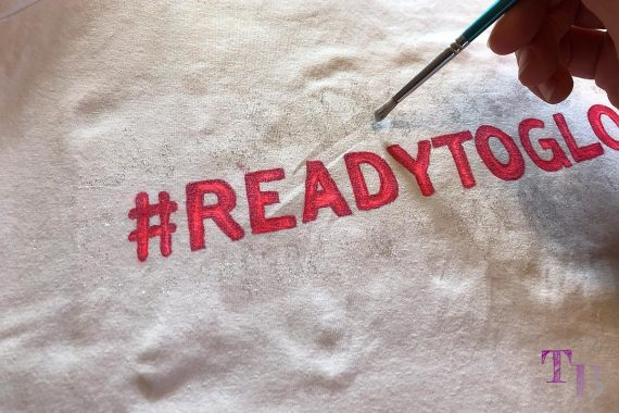 DIY #READYTOGLOW Shirt Glitzer GLOW by dm Stuttgart