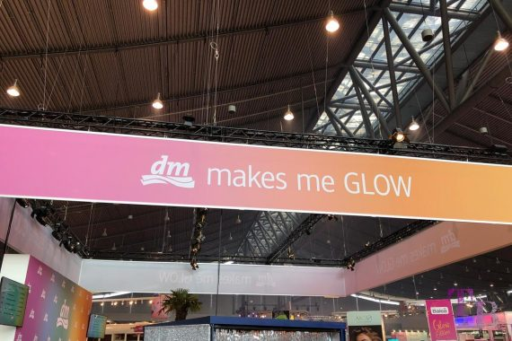 GLOW by dm Stuttgart dm Plaza