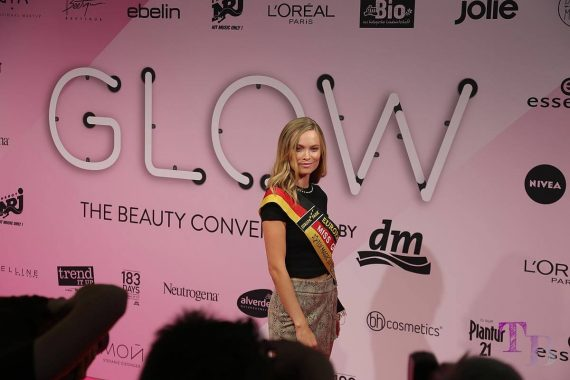GLOW by dm Stuttgart Pink Carpet Miss Germany Nadine Berneis