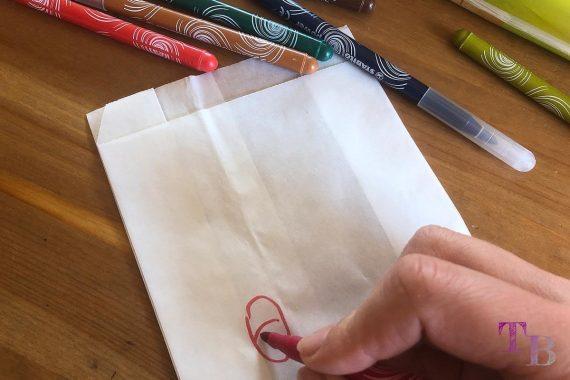 Keinohrhase DIY Papiertüte Stifte Augen malen