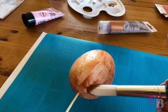 Styropor Ei DIY Ostergeschenk Acrylfarbe Kupfer