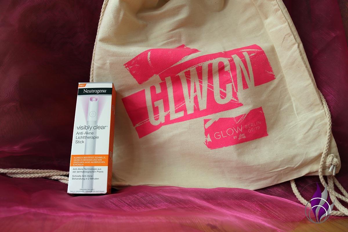 GLOWcon Goodie Bag Neutrogena Lichttherapie Stick